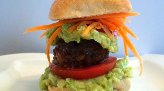 Mini hamburgers met avocado