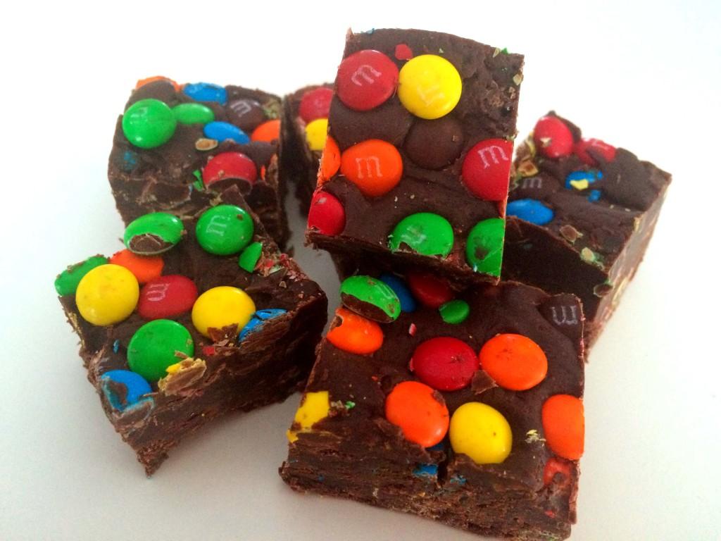chocolade fudge met mini m&m's