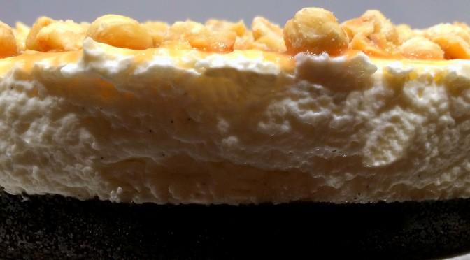 Hazelnoot caramel cheesecake met Oreobodem