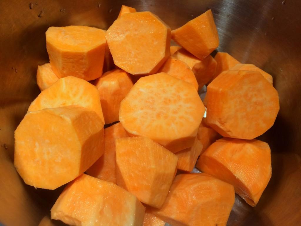 zoete aardappels gesneden