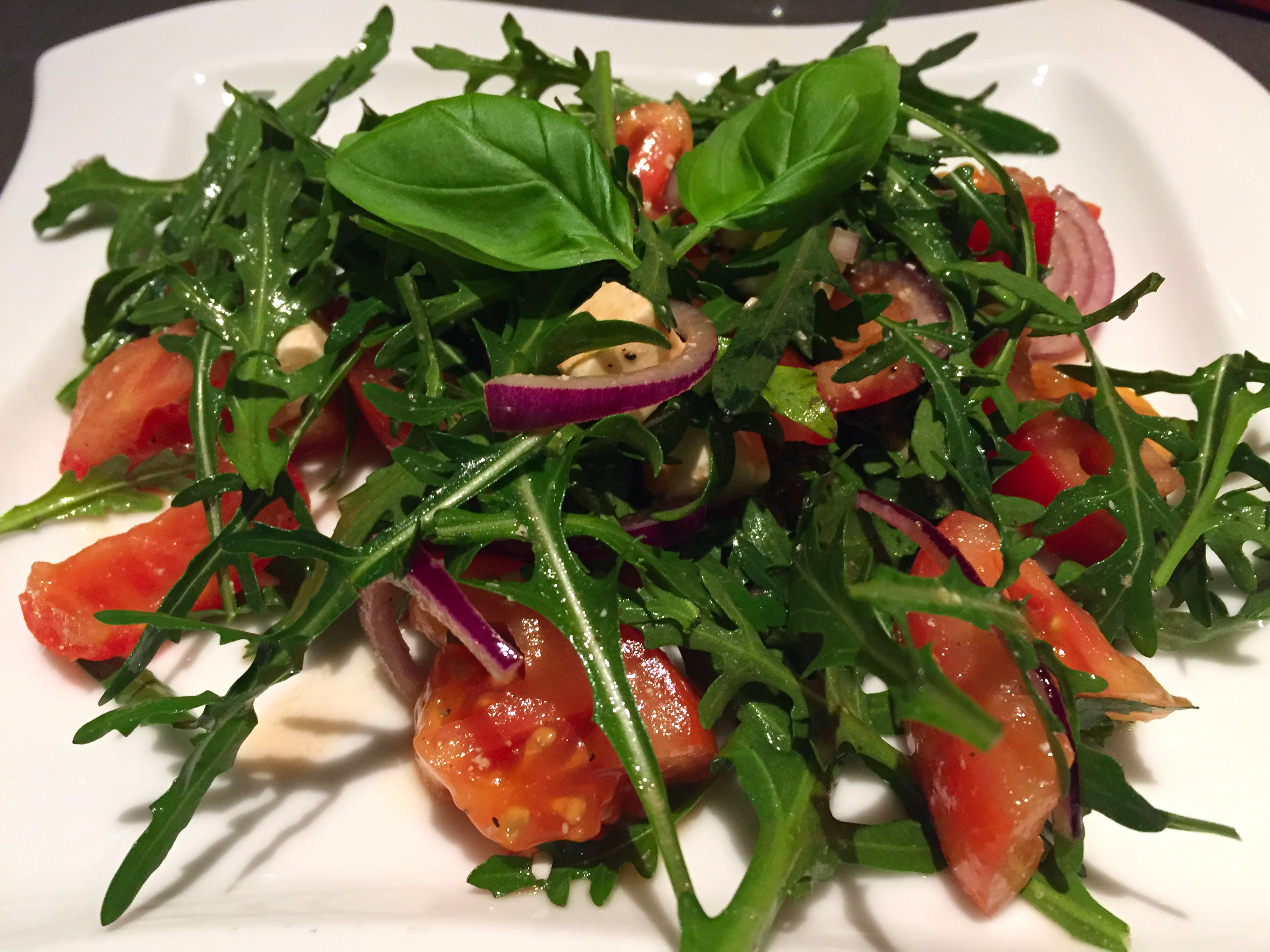 tomaten feta salade