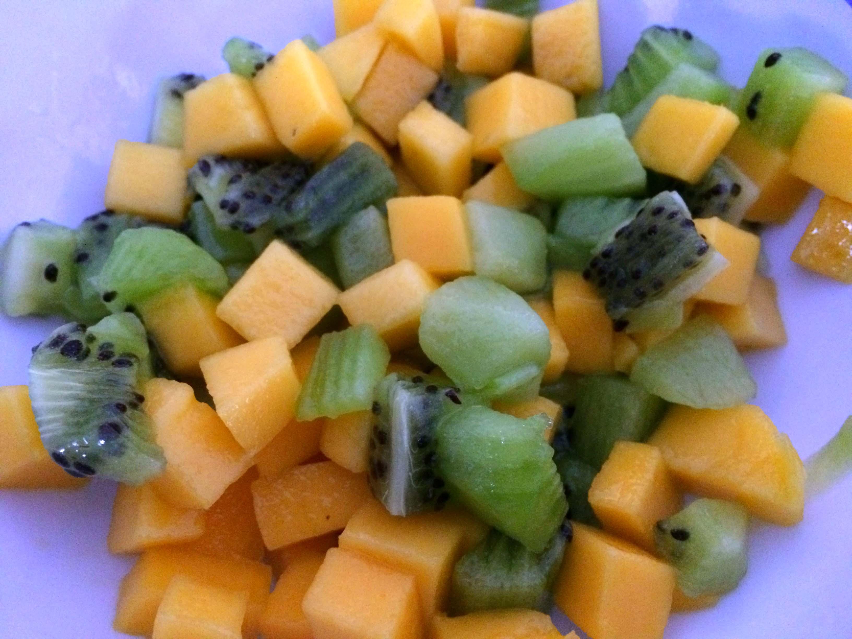 mango en kiwi gesneden