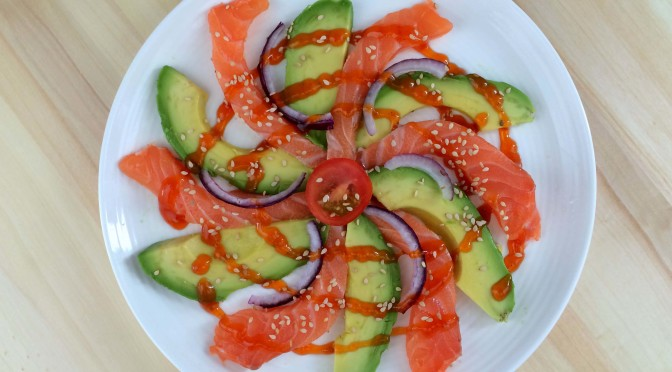 sashimi zalm met avocado