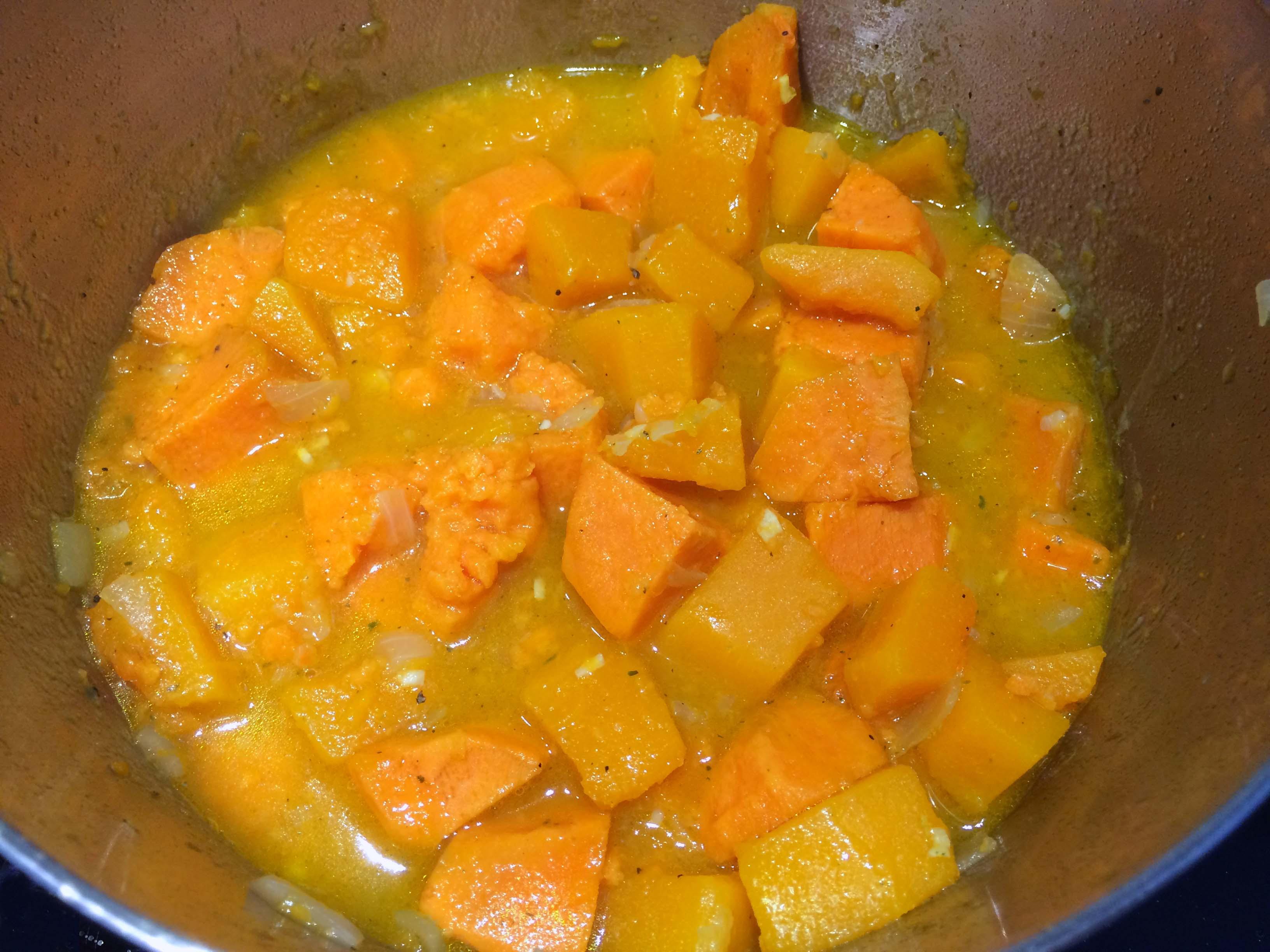 zoete aardappel en pompoen gekookt